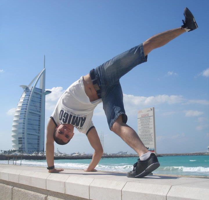 Instrutor Latino Dubaiban