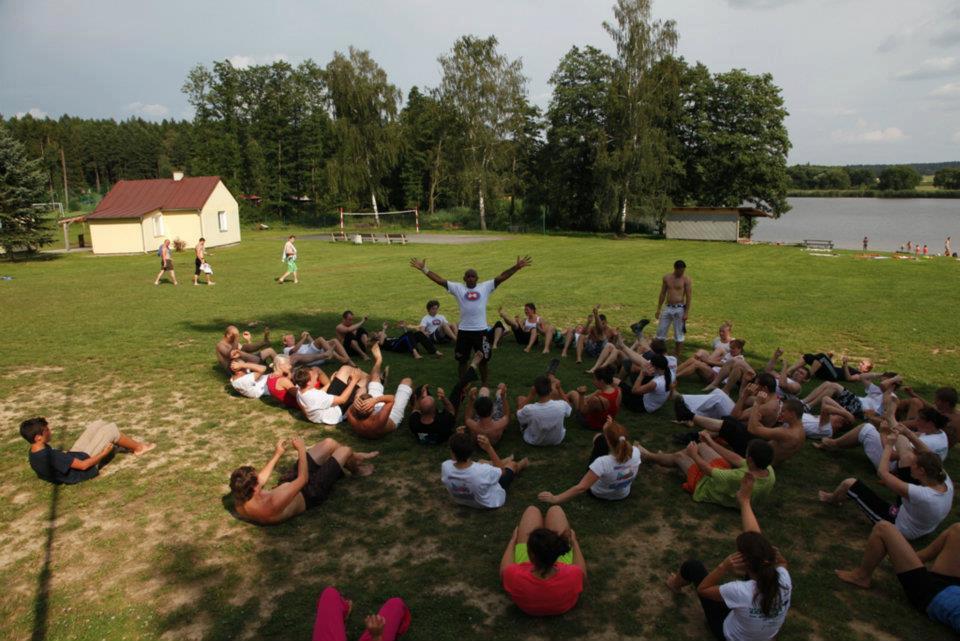 Edzés a szabadban Mestre Paçocával